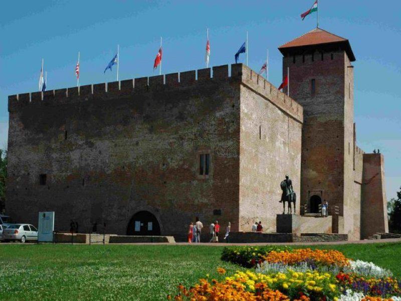Gyulai vár – Erkel Ferenc Kulturális Központ és Múzeum Gyula