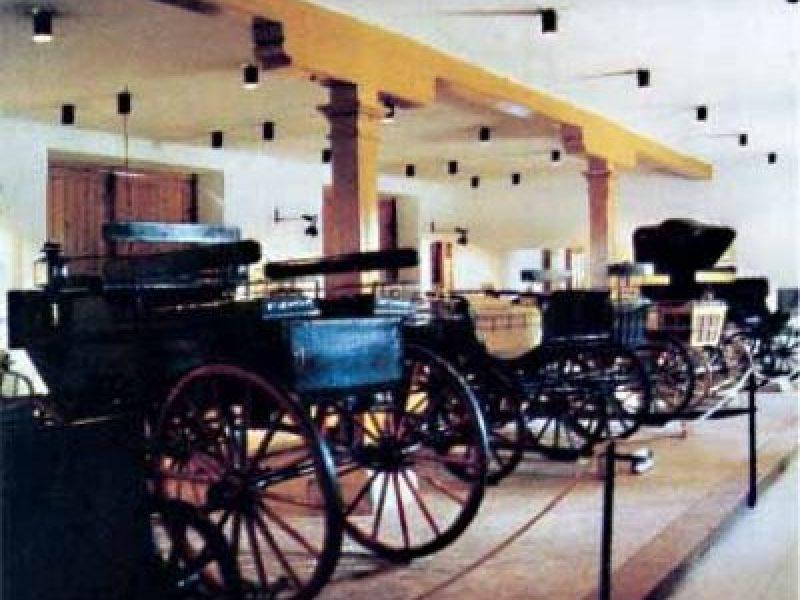 Cifra Istálló – Kocsimúzeum Parád