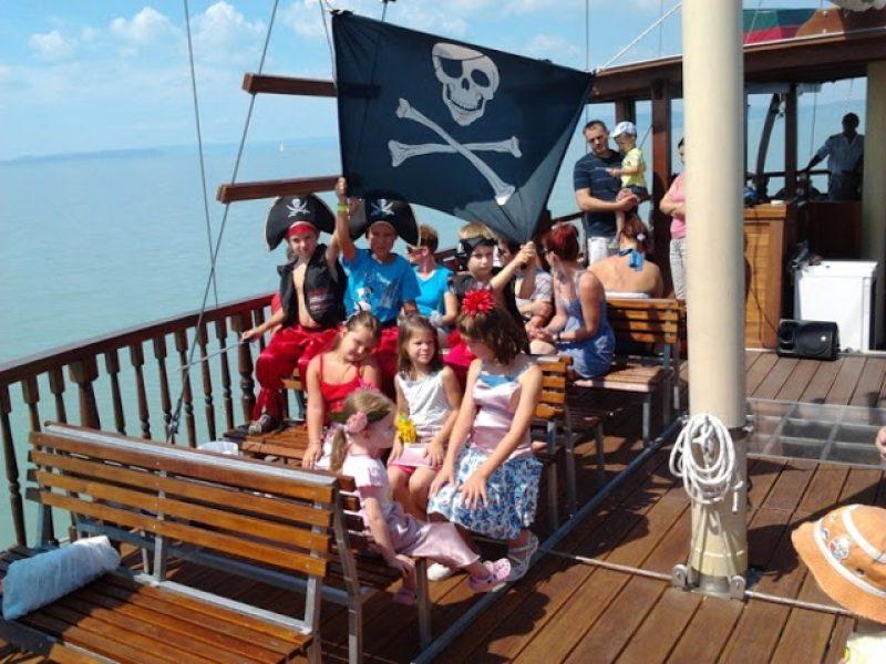 Osztálykirándulás a Balaton legnagyobb vitorlás hajóin Siófok