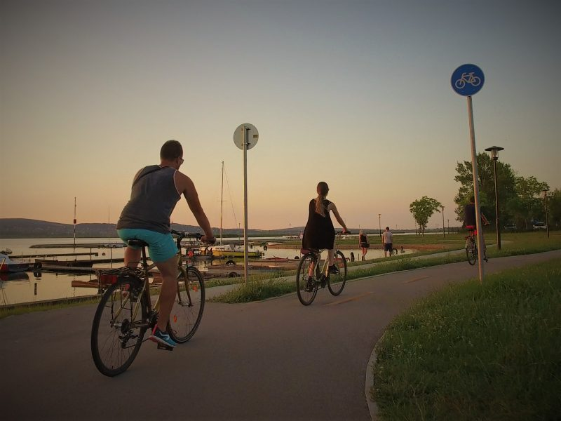 Velencei-tó-Székesfehérvár kétnapos osztálykirándulás kerékpározással