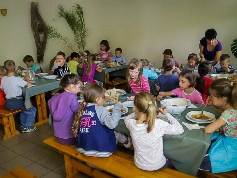 5658-as Ifjúsági tábor Alsónána