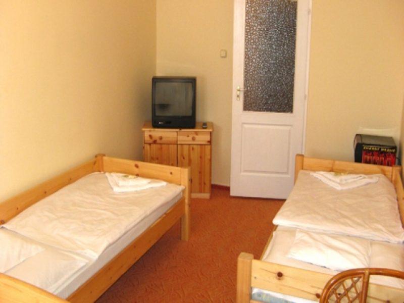 9736-os Hotel Győr