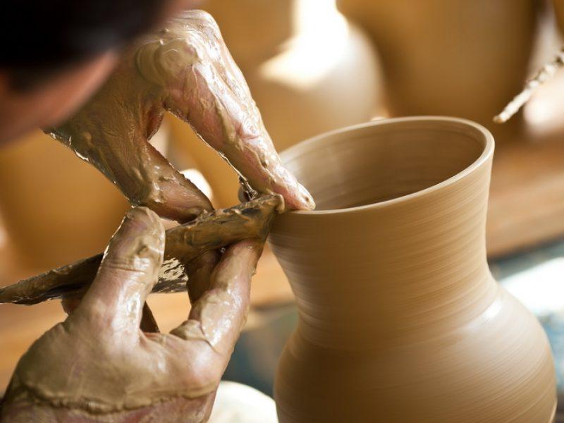 Pataki kerámia üzemlátogatás és kézműves foglalkozás
