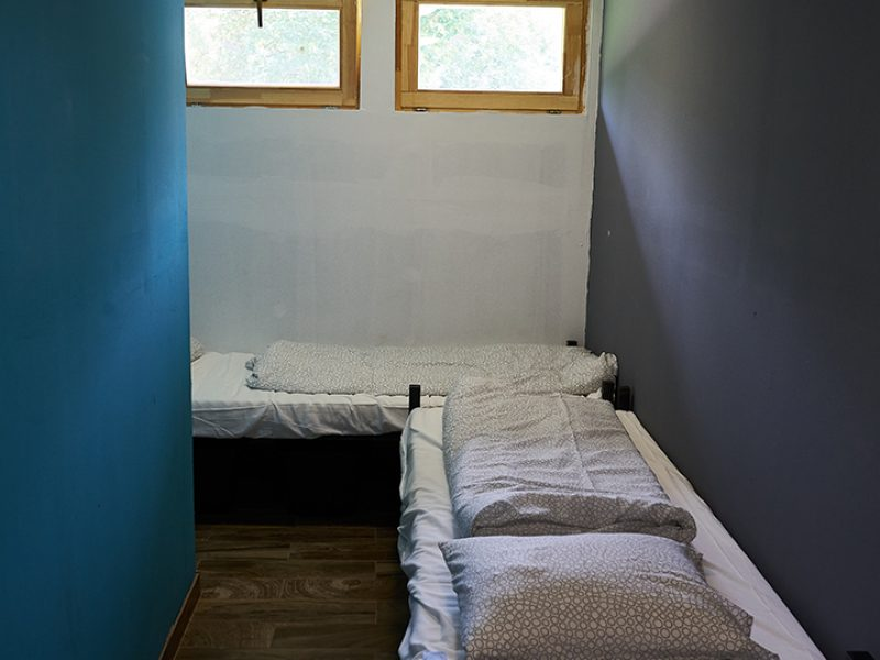 9733-as Hostel Agárd