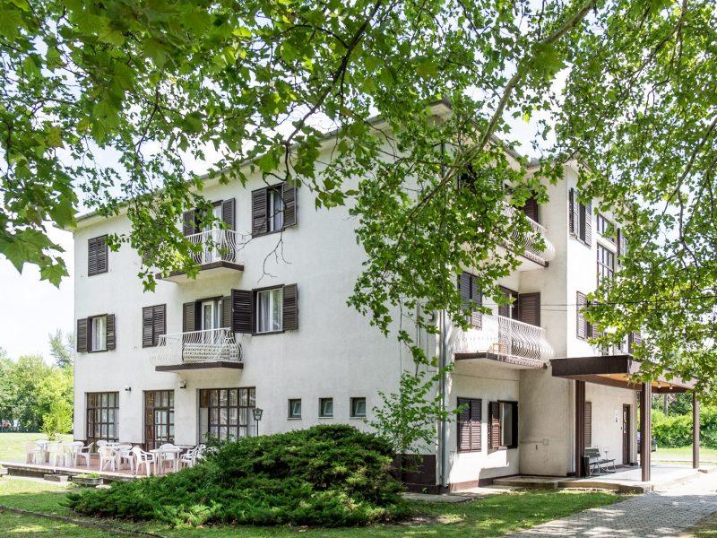 1320-as Hotel Balatonlelle