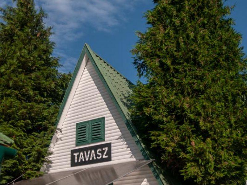 1330-as Panzió és faházak Tiszafüred