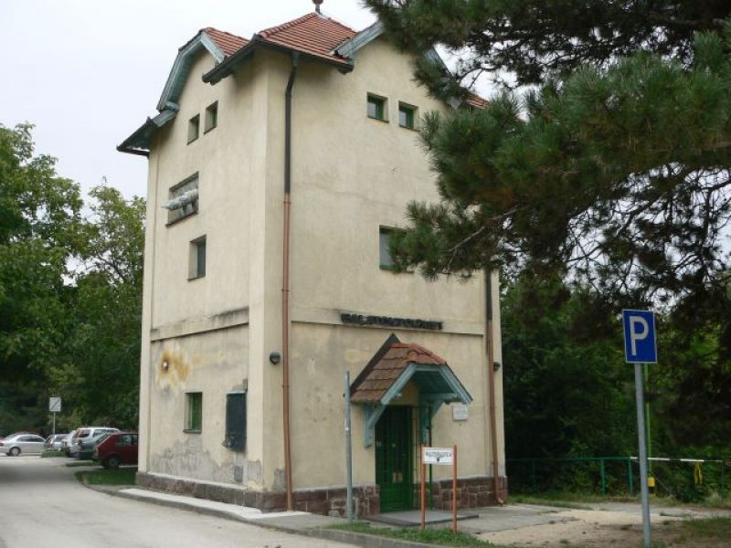1242-es Turistaház Balatonakarattya