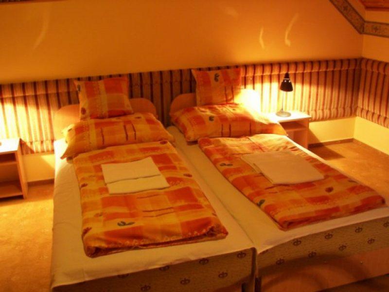 4117-es Hotel Pécs
